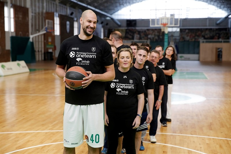 James Augustine in Unicaja One Team session