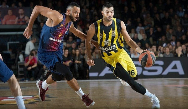 RS Round 11 report: Fenerbahce turns on defense, tops Barcelona