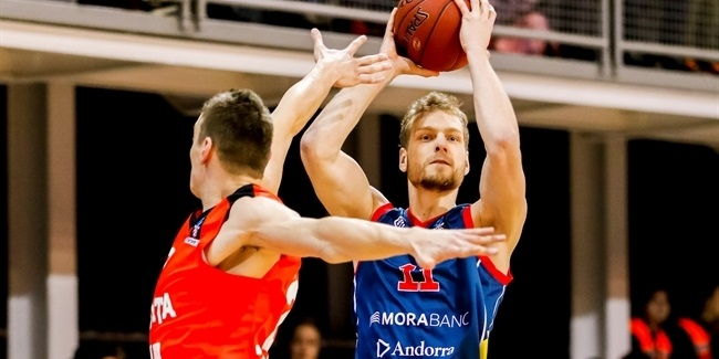 Barcelona upgrades attack with Blazic