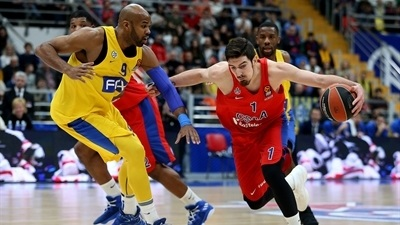 De Colo, CSKA are alone in first after downing Maccabi
