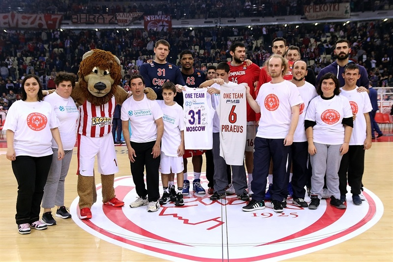 One Team in Piraeus - Olympiacos Piraeus - EB17