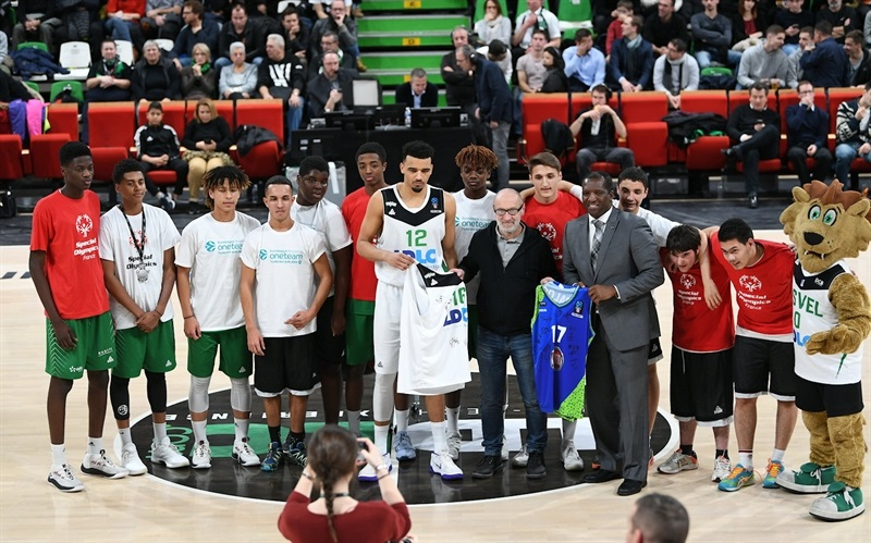One team in Villeurbanne - ASVEL Villeurbanne  (photo Asvel - infinity Nine Media - Arthur Viguier) - EC17