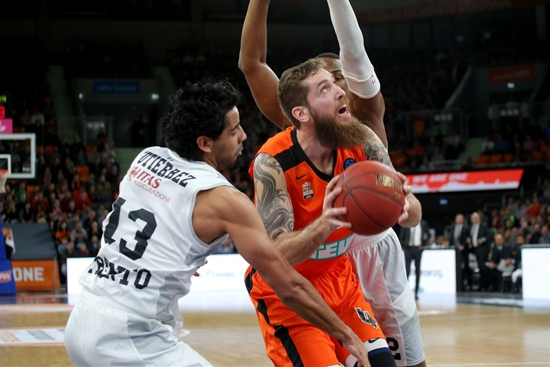 Tim Ohlbrecht - ratiopharm Ulm  (photo Ulm - Florian Achberger) - EC17
