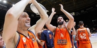 Valencia Basket celebrates - EB17