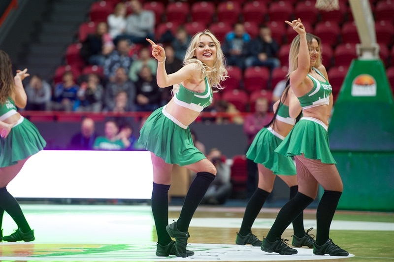 Cheerleaders - UNICS Kazan (photo UNICS) - EC17