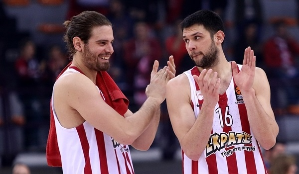 RS Round 16 report: Olympiacos escapes drama, downs Milan