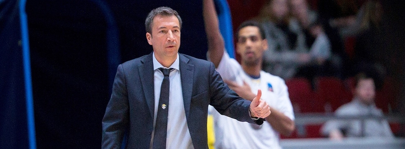 Brose Bamberg names Banchi new head coach