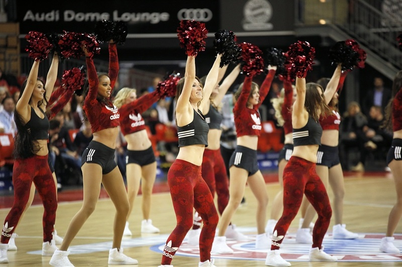 Cheerleaders - FC Bayern Munich (photo FCBB) - EC17