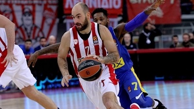 Olympiacos routs Maccabi to match biggest win in 7 seasons