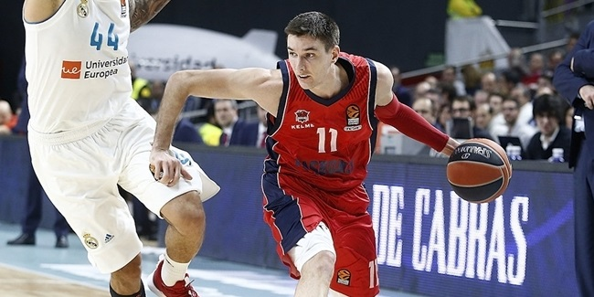 Baskonia keeps sharpshooter Janning
