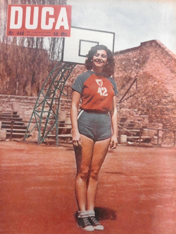 Ljubica Otasevic, Crvena Zvezda women's star who later became a stand-in for Sophia Loren, on a magazine cover. (photo: Crvena Zvezda)