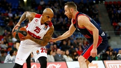 Theodore strikes to give Milan victory over Baskonia