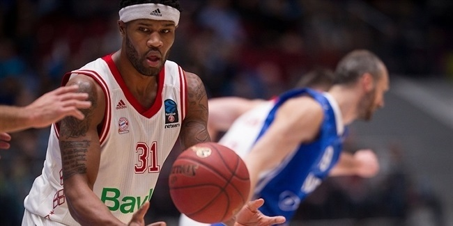 All-EuroCup center Booker stays with Bayern