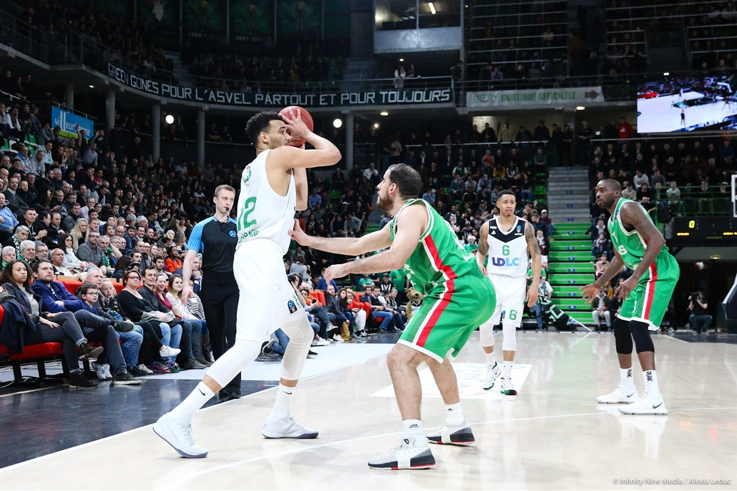 Amine Noua - ASVEL Villeurbanne (photo Asvel - infinity Nine Media - Alexia Leduc) - EC17