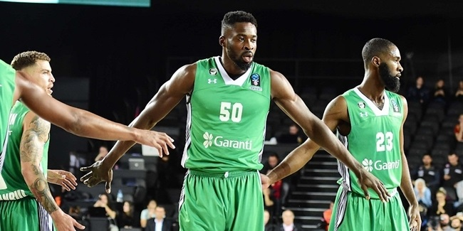 Darussafaka re-signs high-flying big man Eric