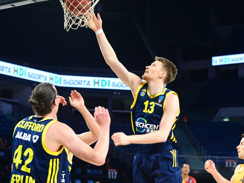 Marius Grigonis - ALBA Berlin (photo Galatasaray - Ali Kemertas) - EC17