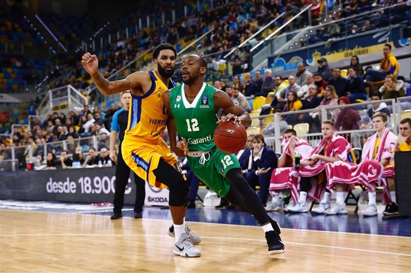 Will Cummings - Darussafaka Istanbul (photo Gran Canaria) - EC17