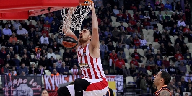 RS Round 23: Olympiacos Piraeus vs. Valencia Basket