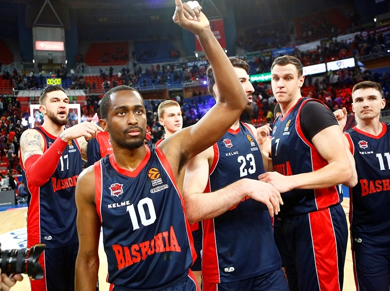 Rodrigue Beaubois celebrates - Baskonia Vitoria Gasteiz - EB17