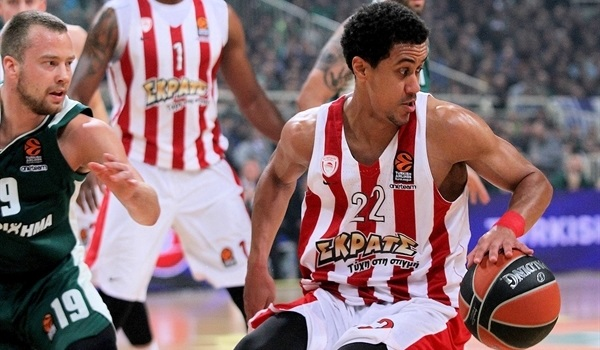 RS Round 24 report: Olympiacos in the playoffs with overtime win over Panathinaikos
