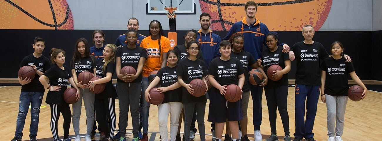Tibor Pleiss, Valencia: 'We do have a social responsibility'