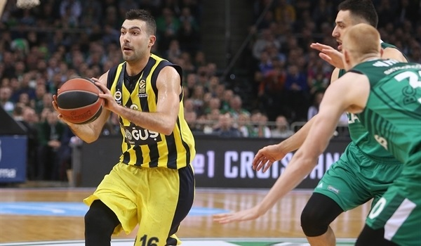 RS Round 25 report: Fenerbahce rallies in Kaunas to clinch playoffs spot
