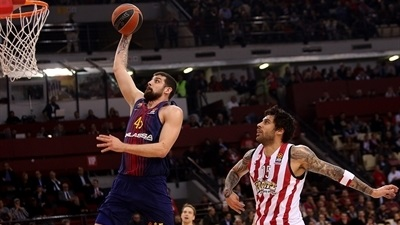 Huge second half gives Barcelona stunning win at Olympiacos