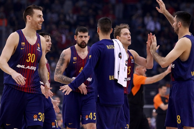 Players FC Barcelona Lassa celebrates - EB17