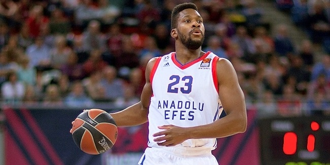 Darussafaka adds guard Douglas
