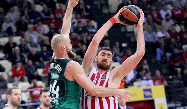 Olympiacos loses Milutinov, Bogris to knee injuries