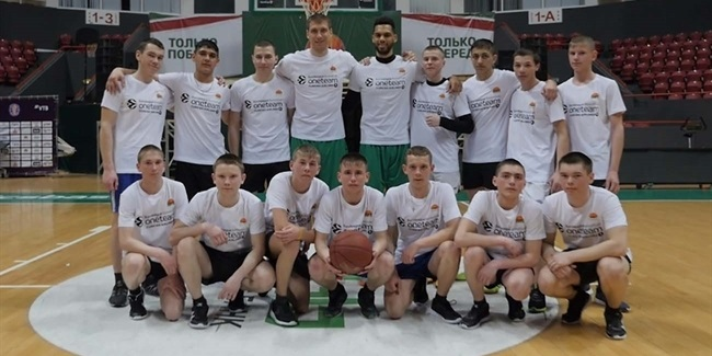 Teenage orphans supported by UNICS One Team program