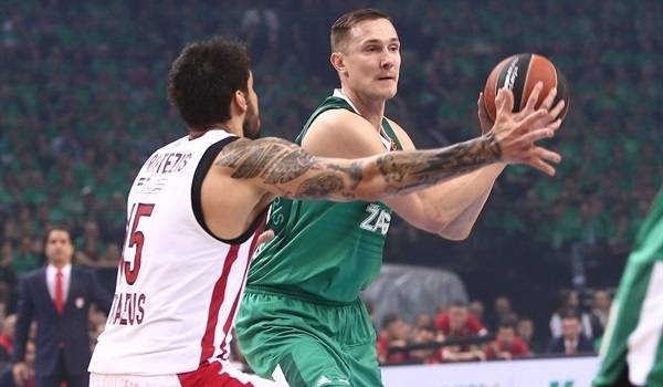 Playoffs Game 3 report: Zalgiris routs Reds to take control of series