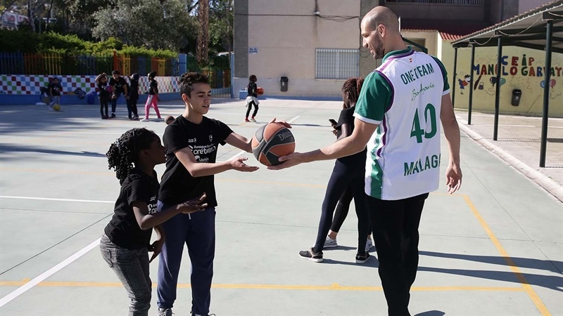 James Augustine and Jeff Brooks in Unicaja One Team session