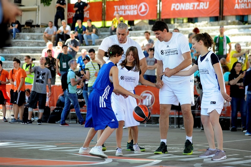 One Team Session & Ambassadors Exhibition Game in FanZone - Belgrade 2018 - EB17_8qtt9j44rdj9tge9