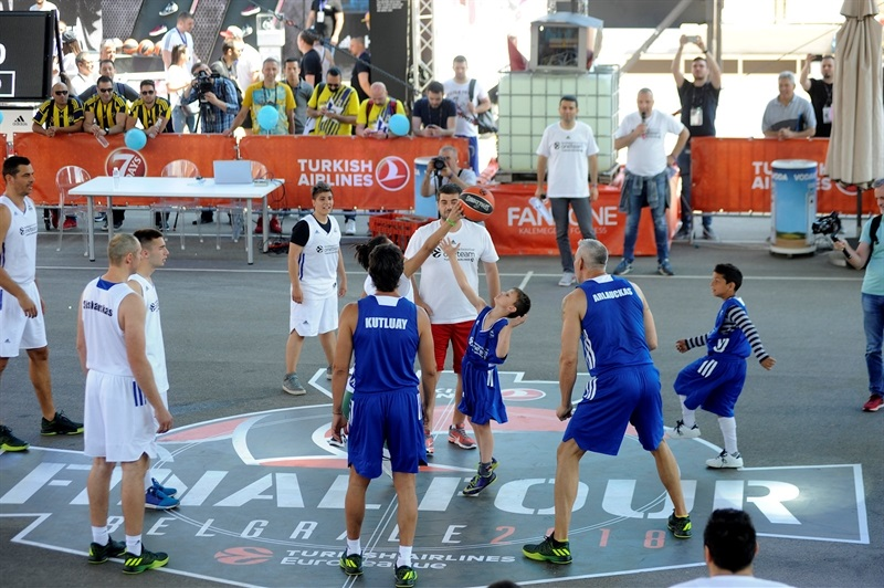 One Team Session & Ambassadors Exhibition Game in FanZone - Belgrade 2018 - EB17_8qttbiwo8vm7pl3m