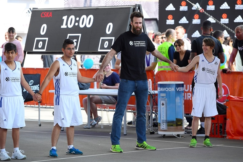 Luigi Datome - One Team Session with Special Olympics - Belgrade 2018 - EB17