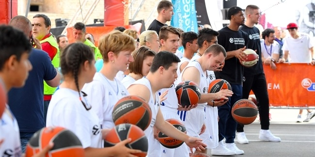 One Team Ambassadors celebrate with Special Olympics at FanZone
