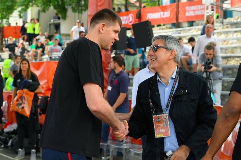 Victor Khryapa and Jordi Bertomeu - One Team Session with Special Olympics - Belgrade 2018 - EB17