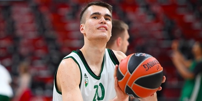 Lietkabelis signs forward Masiulis