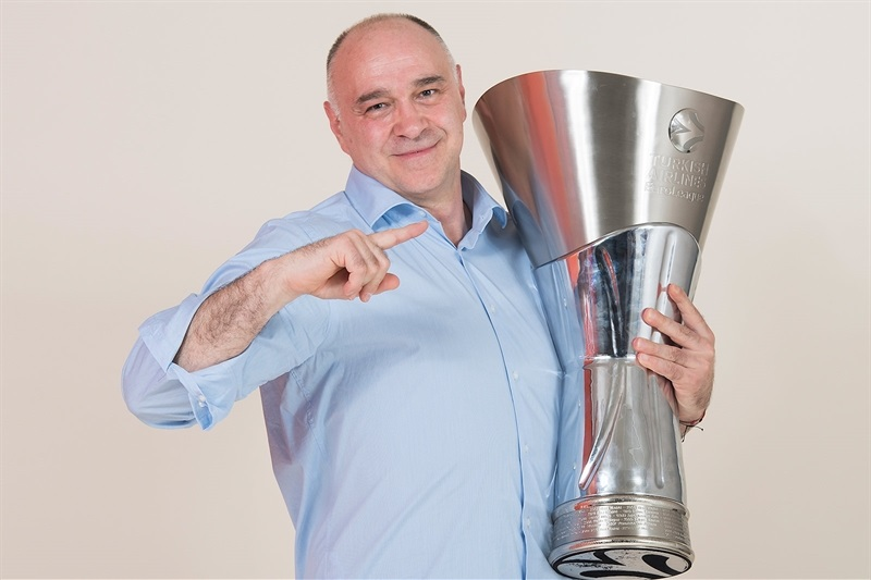 Pablo Laso - Real Madrid  trophy photo shoot - Belgrade 2018 - EB17