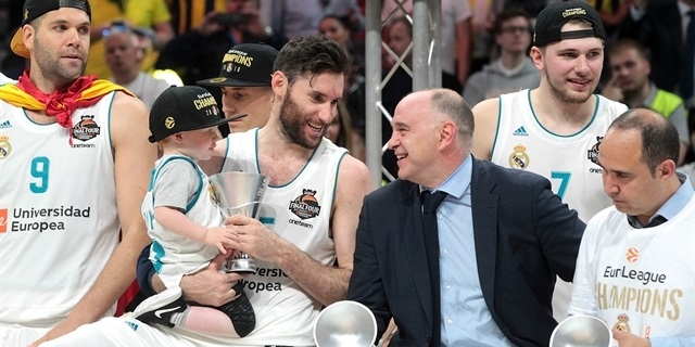 Pablo Laso - Real Madrid Champ EuroLeague 2017-18 - Belgrade 2018 - EB17