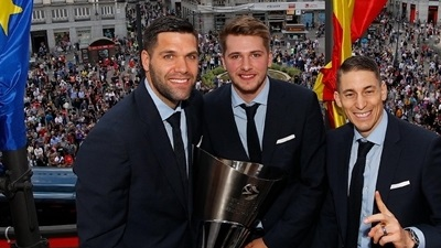 Real Madrid's victory tour with EuroLeague trophy