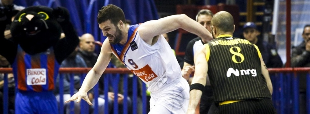 Sakellariou signs on for Panathinaikos