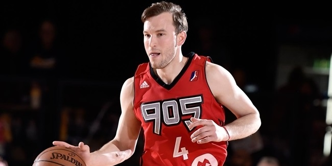 Skyliners sign shooting ace Heslip