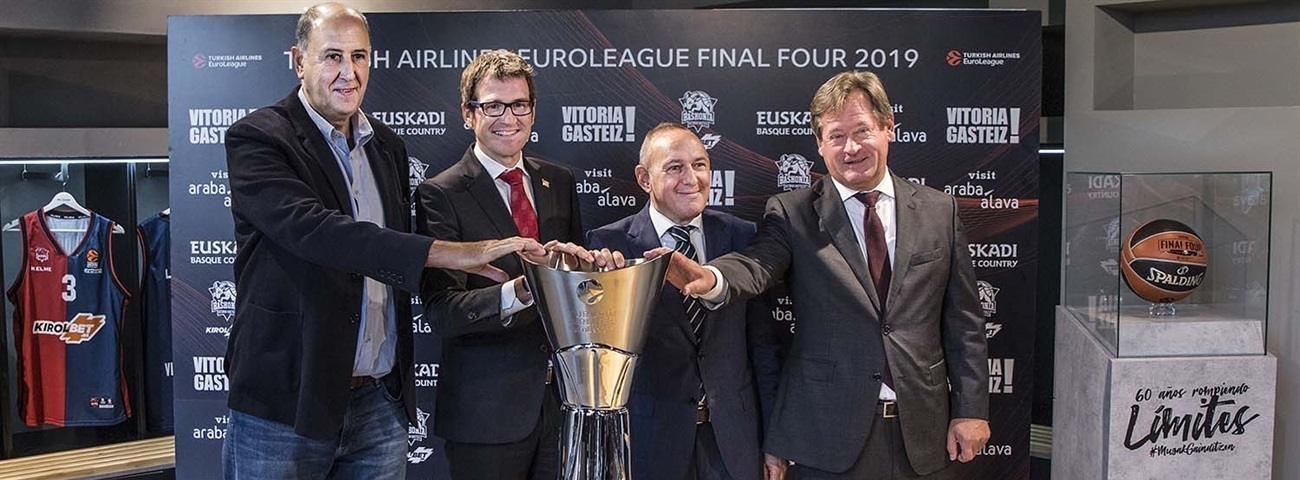 The EuroLeague trophy lands in Vitoria