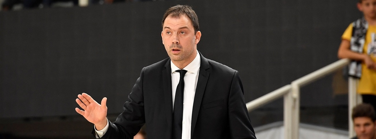 Partizan parts ways with head coach Canak
