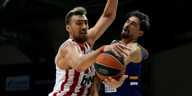 Shved starts hot but rebounding raises Reds
