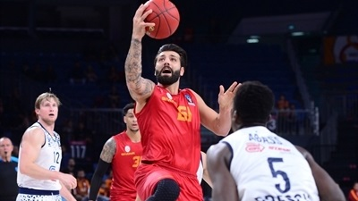 Galatasaray leaves it late to beat Brescia