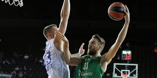 Partizan picks up Peiners at forward