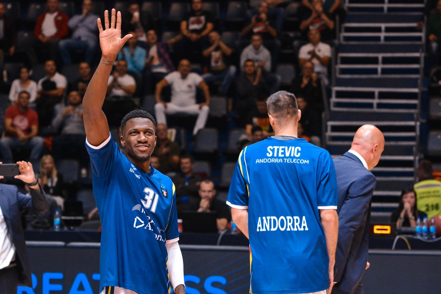 Dylan Ennis of MoraBanc Andorra return Belgrade (photo Zvezda) - EC18
